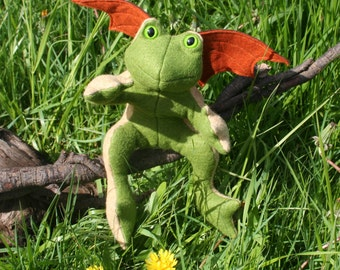 The Woodland Flying Frog, Scented Beanbag Frog, Wool Felt ~ Stuffed with Flax Seeds and Organic Herbs, Natural Plush Frog Toy, Froggie