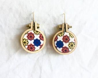 Repurposed Fabric Hoop Earrings. Vintage. Retro. Daisies. Orange. Fun. Vermeil gold sterling silver. Recycled. Handmade. Textile. Dangle.