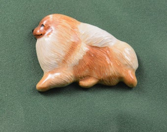 Pomeranian trotting pin