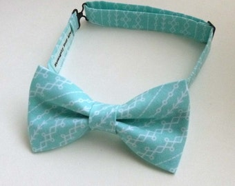Aqua blue and white bow tie – abstract geometric stripe pattern
