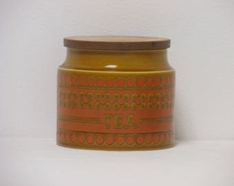 Retro 1970s Hornsea Saffron Small Tea Storage Jar with Wooden Lid