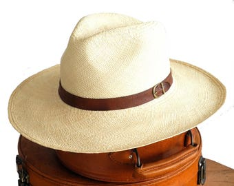 Natural Straw Panama Hat Women's Wide Brimmed Fedora Hat Spring Fashion Sun Hat Summer Accessories Straw Fedora Hat Beach Hat Boho Chic Hat