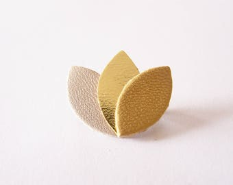 Brooch leather beige, gold and yellow ochre
