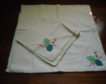 Vintage Embroidered Placemat & Napkin