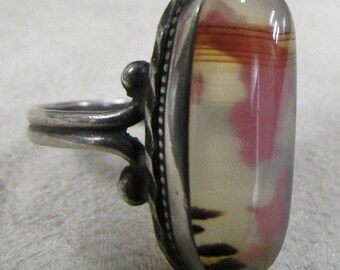 Sterling Silver Ring with Unusual Stone Size 6 1/2