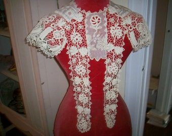 Breathtaking Antique lace collar Irish Crochet 1800s antique lace