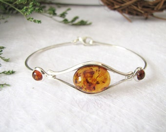 Oval Baltic Amber Bangle, Baltic Amber Bracelet, Honey Baltic Amber from Poland, Inclusion Fossil, Elegant Sterling Silver Bangle