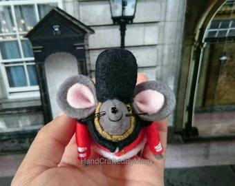 Palace guards, Felt mice, Cute mouse, Handmade, Guards, Soldier, British decoration,