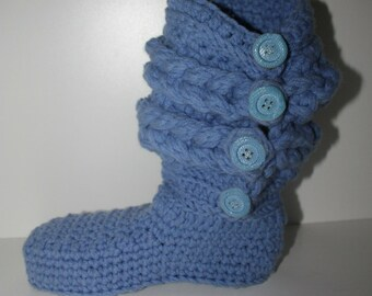 Crochet Boots Pattern ----------  CHUNKY BRAIDED BOOTS with buttons --------  Womens sizes 5-10 ----- wear them on the street