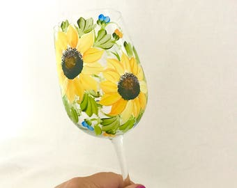 Free shipping Sunflowers hand painted wine glass personalizable