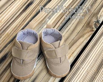 Baby boy shoes/ baby boy boots/ baby shoes/Baby canvas shoes