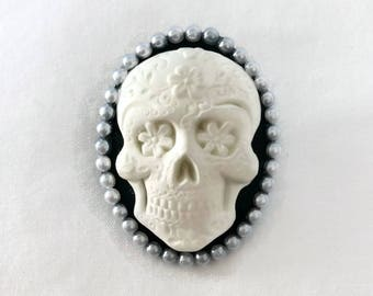 Day of the Dead Brooch, Rockabilly Black and White Skull cameo pin, Pink Sugar Skull Brooch, Dia de los Muertos