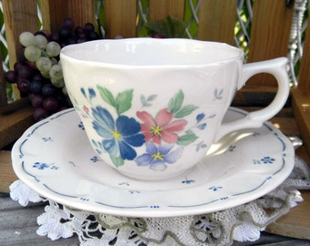 Tea Cup Teacup and Saucer - Floral Japanese Porcelain, Nikko 11096