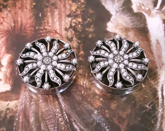"""Silver Pearl and Metal Sun Plugs 1 & 1/8"""" 28.5mm, 1 1/8"""" 28.5mm, 1 3/16"""" 30mm, 1 1/4"""" 31.7mm, 1 5/16"""" 33.3mm, 1 3/8"""" 35mm, 1 7/16"""" 36.5mm"""