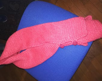 Scarf with buttons