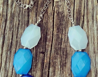 Statement Necklace, Blue Ombre, Faceted Beads, Chunky, Fashion, Gift Ideas, Trendy.
