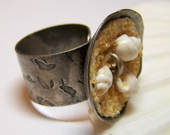Piccola Spiaggia... Handmade Jewelry Cocktail Ring Beaded Antique Silver Polymer Clay Crystal Adjustable Beach Seashell Shell Sand Resort