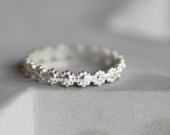 Flower ring - Sterling silver stackable ring with floral pattern
