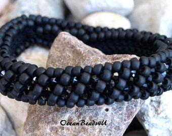 Beaded Bracelet with Swarovski/Beaded Crochet Bracelet/ Beaded Bracelet/ Beadwork/ Armband/ Häkelarmband