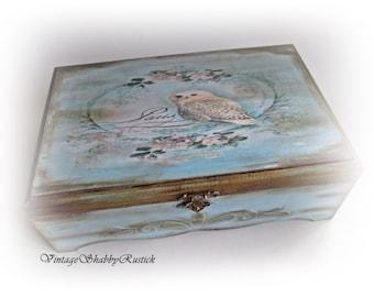 Vintage Owl Box Owl Jewelry Box Shabby chic Owl Box Personalized Owl Gift Storage Box Keepsake Box Wood Decoupaged Box Antique Box Christmas