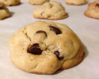 Giant Homemade Chocolate Chip Cookies (One Dozen 4oz Cookies)