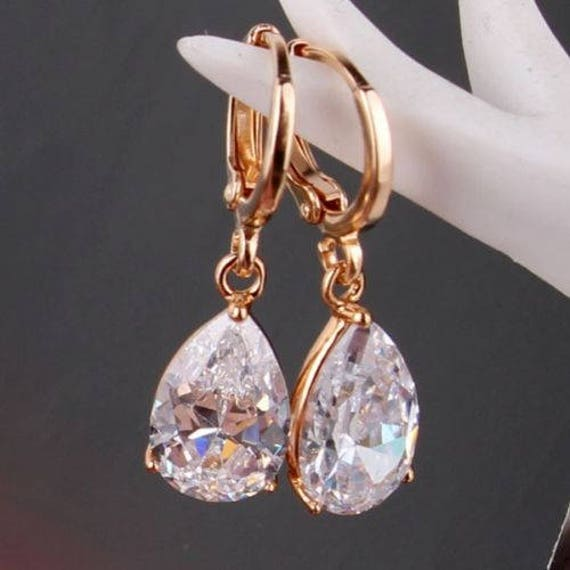 Lovely 18 ct yellow gold filled clear crystal drop earrings