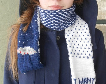 I Want to Believe scarf flying saucer scarf knitting extraterrestrials aliens spacemen Mulder X-files Scully Lone Gunmen