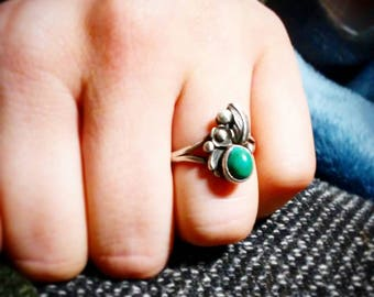 Vintage Sterling Floral Turquoise Ring/1970s bohemian jewelry/size 6