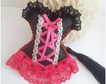 Bijou de sac romantique, porte clé corset glamour, sexy, similicuir noir,dentelle rose fuchsia, cadeau amour, Saint Valentin,  fait main