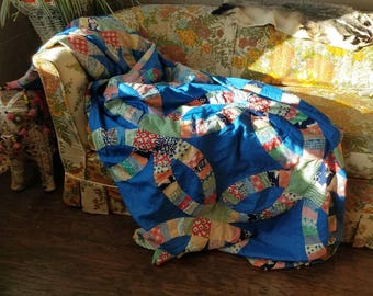 vintage 1950s 1960s blue colorful floral patchwork Wedding rings quilt top unfinished