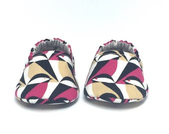 0-3mo RTS Baby Moccs: Birds / Magenta Sparrow / Crib Shoes / Baby Shoes / Baby Moccasins / Vegan Moccs / Soft Soled Shoes / Montessori Shoes