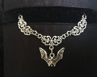 Choker collar with bat and Victorian Gothic elements, black velvet