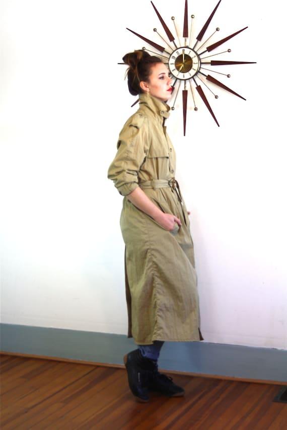 Long Trench Coat, BANANA REPUBLIC trench, 80s trench coat, Mens trench coat, womens trench coat, khaki trench coat, vintage nylon trench,