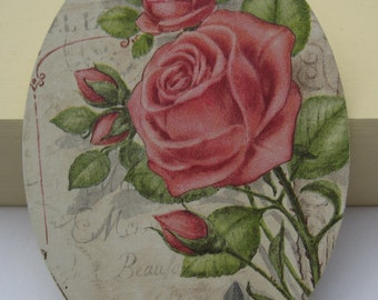 Plate decorative. Pink vintage, technical decoupage.