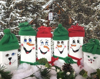 Wooden 2x4 snowmen family (4)