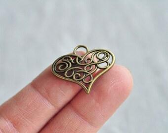 25pcs Antique Bronze Hollow Love Heart Charm Pendant 21x26mm PP642