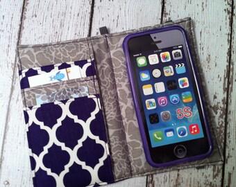 iPhone wallet case with removable gel case - purple quatrefoil