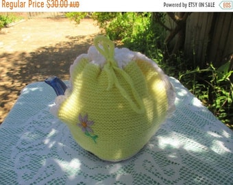 ON SALE Vintage Tea Cosy/Cover - Lemon Knitted - Vintage Style for your teapot.