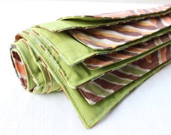 "Napkins Fabric Mod Chocolate Green Set of 4 16"""