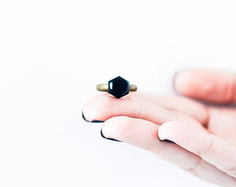 Geometric ring, 4 colors available, adjustable black ring hexagon