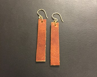 Joanna Gaines jewelry, Rustic leather dangle earrings