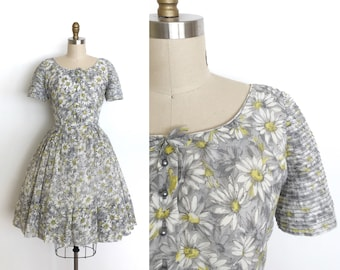 vintage 1950s dress | 50s daisy print dress