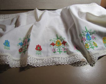 Embroidered Cotton Table Cover - Lace Edging