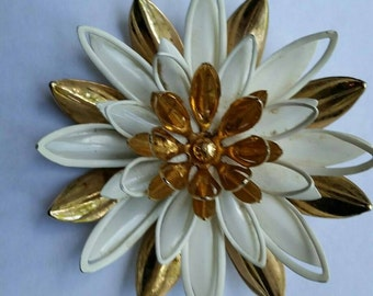 Vintage, Sarah Coventry Brooch, Water Lily brooch