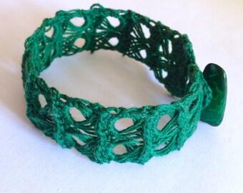 Bottle green crochet bracelet