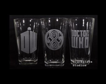 Etched DR WHO Pint Glass Set for Whovians, Sci-fi lovers, Time travelers by Jackglass on Etsy