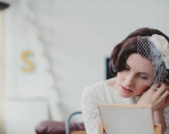 Ivory Birdcage Veil, Bridal Flower Headband with Birdcage Blusher Veil, Ivory Floral Headband, Retro Ivory Birdcage Veil