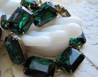 emerald statement necklace, anna wintour necklace, georgian collet, collet necklace, green statement necklace, green choker, J. Crew.
