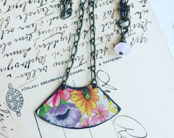 """Tin Jewelry Necklace """"Full-on Floral"""" Tin for the Ten Year Tenth Wedding Anniversary"""