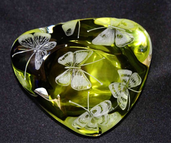 Hand Engraved Paperweight Butterflies, Office Decor, Home Decor, Etched Butterflies, Butterflies crystal Paperweight, engraved butterflies
